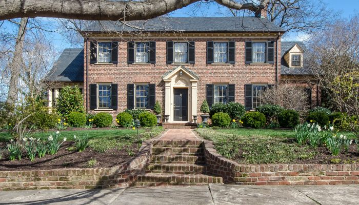 Home Tour: 2009 Westover Hills Blvd is a gardener's delight
